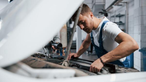 Le mécanicien en auto-entreprise